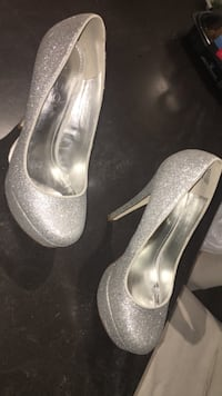 Silver aldo heals size 6.5. Price negotiable  Whitby, L1P 1H1