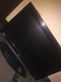 "38"" Flatscreen with remote"