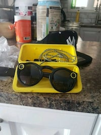 yellow framed Ray-Ban sunglasses with case Montréal, H8Z 1M3