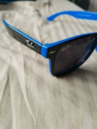 black Ray-Ban wayfarer sunglasses London, N6C