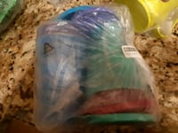 16oz Tupperware cups with lids Guelph, N1E 0B8