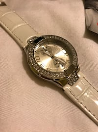 White leather strap new guess watch with sparkling cubic zirconias Mississauga, L5M 5E2