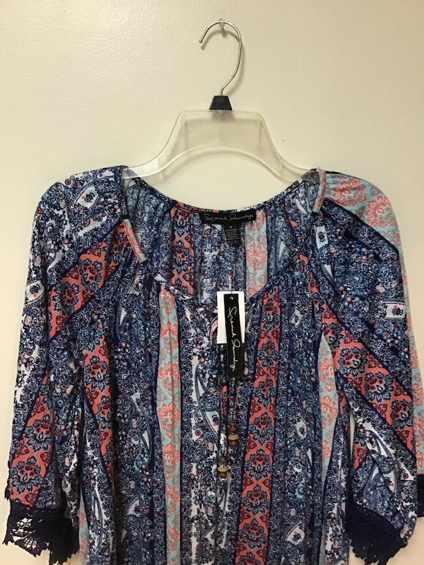Women's FRENCH LAUNDRY thin soft multicolor top w/ lace trim-small fae70745-f8ee-4b06-aad7-07516d731079