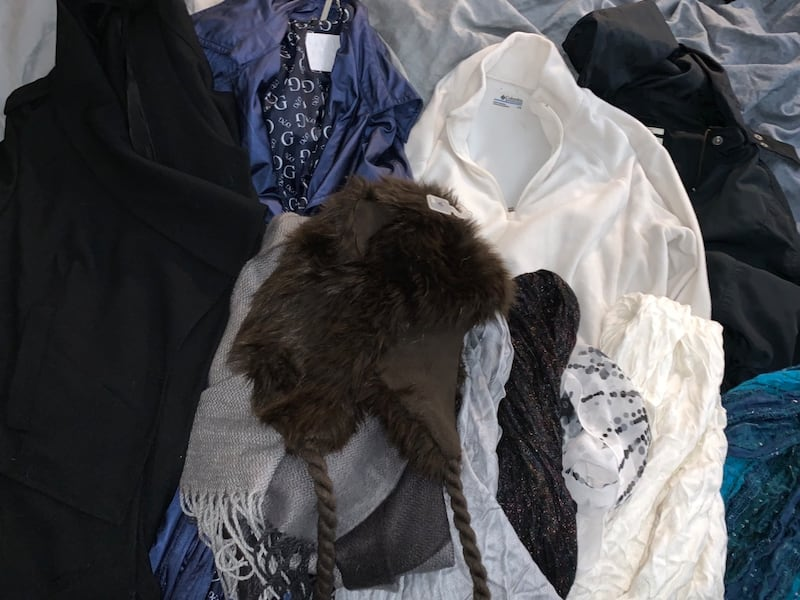 Huge lot of name brand women's clothing (size M) 507f027e-4d76-4ed3-8426-99a0911af94e