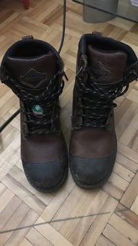 7mens Steel toe boots almost new