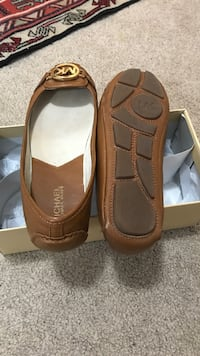 Pair of brown leather flat  size 7.5 Richmond Hill, L4E 0P5