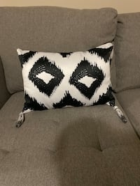 Pier one pillow New* Vancouver, 98684