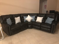 Beautiful couch in good conditions most pick up Orlando, 32822