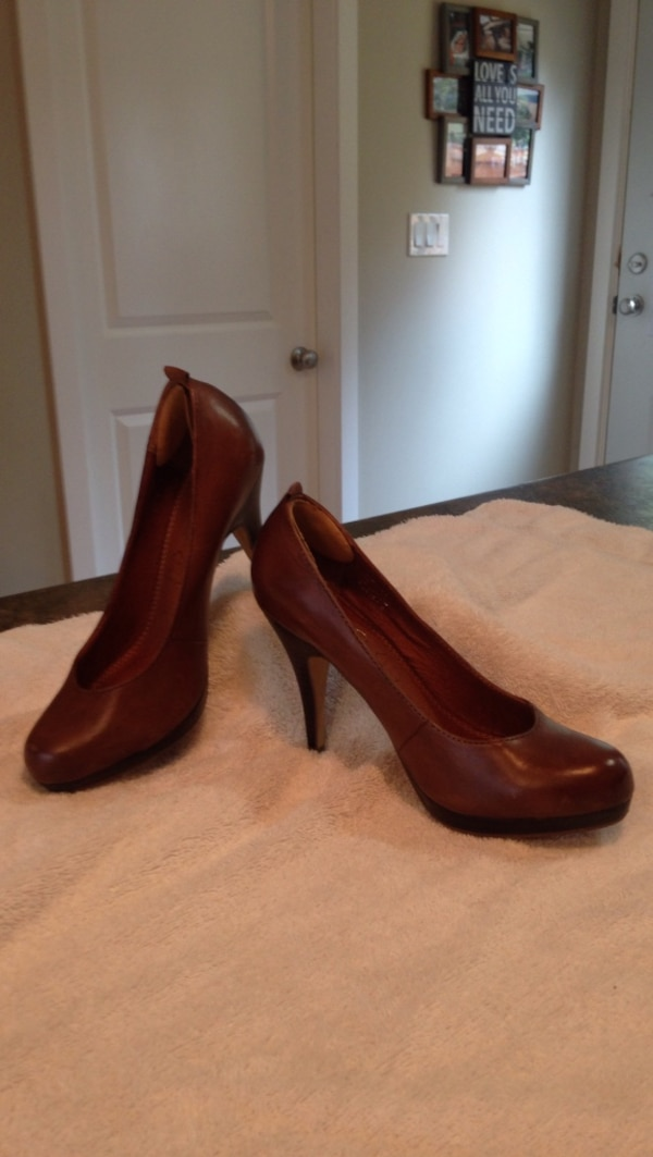 918522ef528 Used Sz 7 Aldo brown leather platform pumps. for sale in Campbell ...
