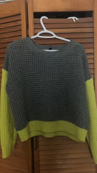 knit pullover sweater Toronto, M9B 4H5
