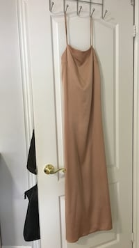 peach spaghetti strap maxi dress size small  Vaughan, L4H 0X9
