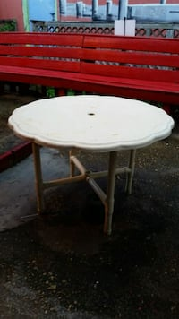 Sturdy Outdoor table Tallahassee, 32310