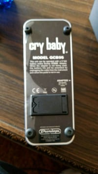 Cry baby guitar pedal... hardly used. Cobble Hill, V0R 1L6