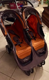 baby's twin jogging stroller 29 km