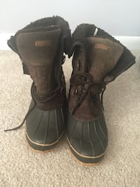 Winter boots (size 10 Khombu) Washington