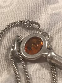 Vintage amber key necklace Edmonton, T5G 1W8