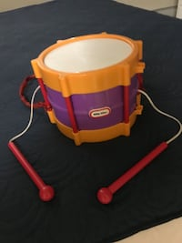Little tikes drum   Excellent condition comes with 2 attached drumsticks San Francisco, 94129