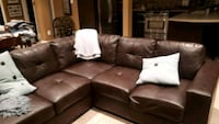 Sectional couch.... Vaughan, L4K 5W4