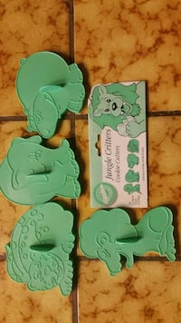 Wilton jungle critters cookie cutters, all four $5 Tracy, 95304