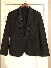 Men's Black studded wool blazer. Size Large in good condition. Great for special occasions 46 km
