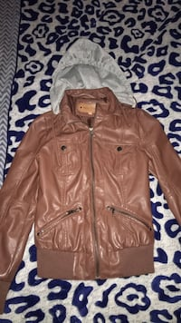 Brown leather zip up jacket size SMALL  Bakersfield, 93306