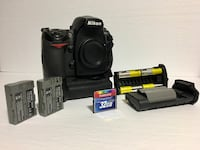Nikon d700 dslr full frame low usage with grip and extras
