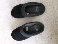 Used bedroom shoes $10 Mouse Fairfax, 22038