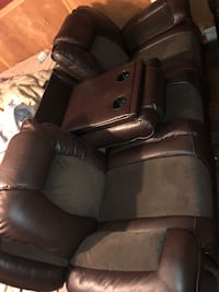 Black leather recliner sofa set Metairie, 70003