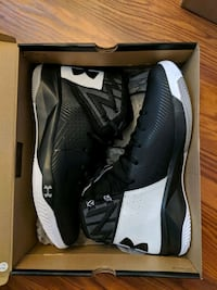 Under Armour Size 10.5 Basketball Shoes Medford, 02155