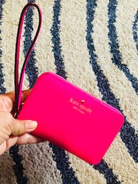 red and black leather wristlet Nueva York, 11385