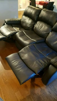 Brown leather sofa extends legs Burlington, L7M 4H8