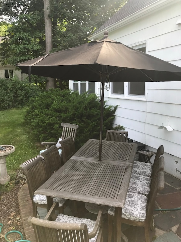 Used Smith And Hakeem Outdoor Table And Chairs For Sale In Westfield