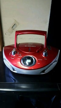 Curtis CD player boombox