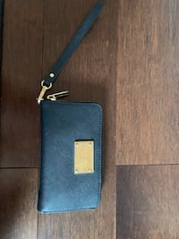 Authentic Michael kors wristlet wallet  Toronto, M3B 2J2