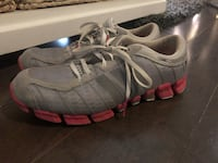 Adidas runners ~ women's size 10 ~ adorable grey/coral Surrey, V4N 6A2
