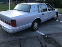 97 Lincoln towncar PASSED EMMISIONS  serious inquires only  Rossville, 30741