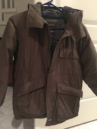 Boy's Gap down jacket, size8 North Vancouver, V7N 1W7