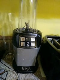 Ninja iq blender with cups Clarksville, 47129