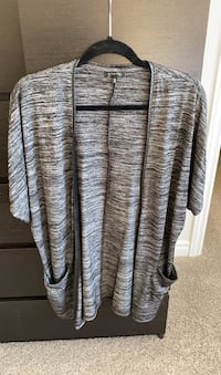 Dynamite sweater size s Guelph