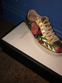 Gucci Women's (Ace Embroidered Sneaker) Washington, 20001