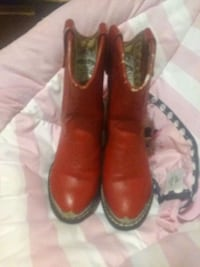 pair of brown leather cowboy boots Dallas, 75217