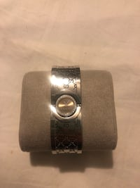 Diamond Gucci Bangle Watch Mc Lean, 22101