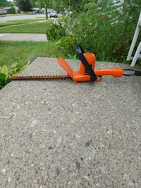"""Black & Decker electric hedge trimmers 16"""" Redford Charter Township"""