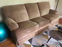 Used couch/ pull out full sized bed Cookeville, 38501