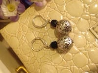 Trendy Earrings  Edmonton, T5W