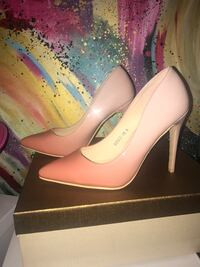 Brand new never worn heels! Size 6 Shiny pumps! Women's pink peach Los Angeles, 90028