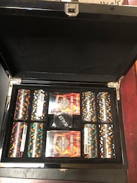 Hd  box set  poker chips set with box and decks of cards   Menifee, 92584