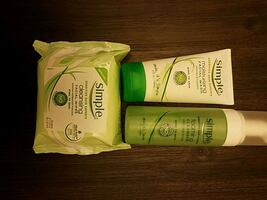 Simple  face cleaner with facial wipes
