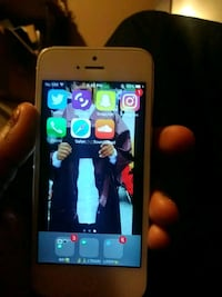 Unlocked iphone5 must cone to me East Riverdale, 20737