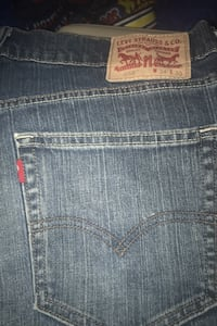 Red Label Levi's/ size 34/30 / like brand new Pearl, 39208